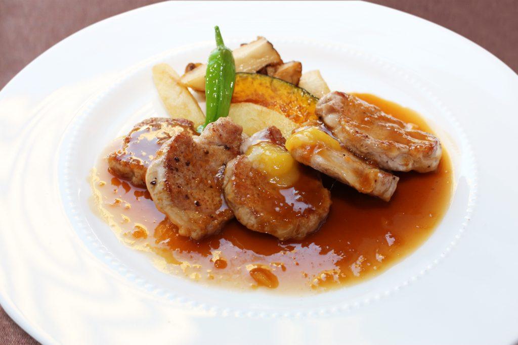 鹿児島県産黒豚フィレ肉 ジンジャーマンゴーソース