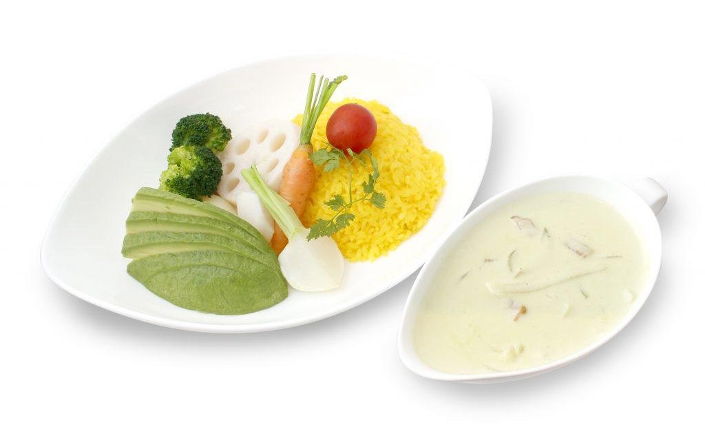 KITTE丸の内 温野菜とサフランライスのアボカドクリームシチュー