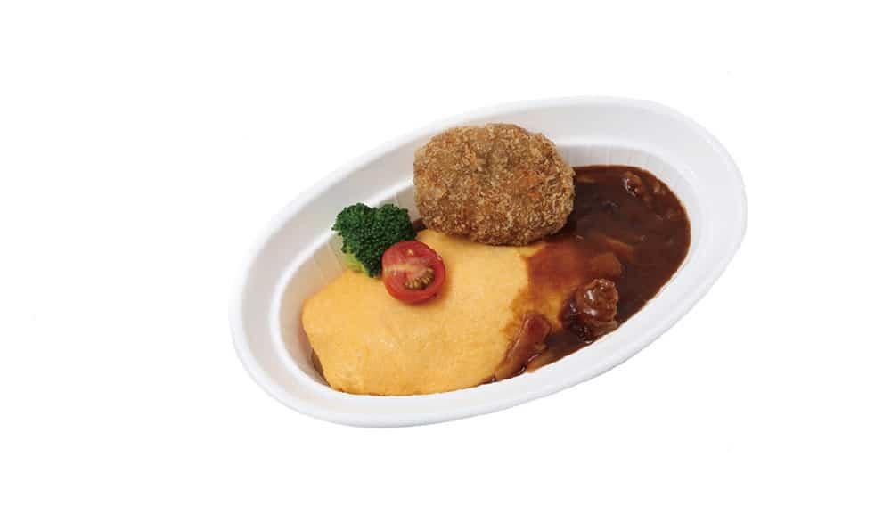 オムライス・パイナップル入りハッシュドビーフソース、メンチカツレツのせ
